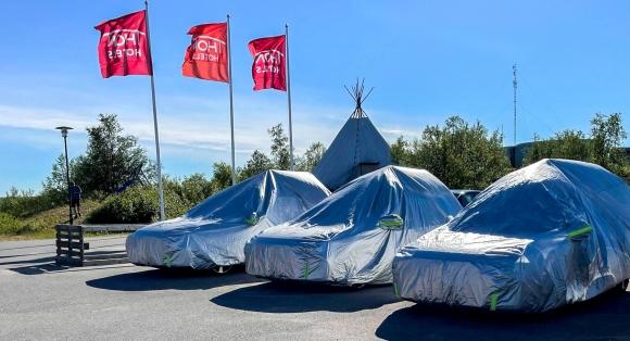 Apple-biler på Nordkapp-besøk