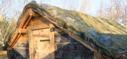 Riksantikvaren freder kvensk fjøs i Porsanger