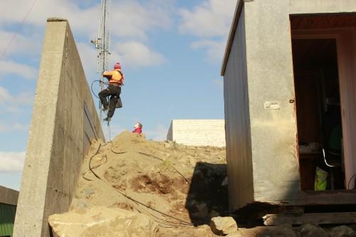 !Ny mast og antenner ved Honningsvåg 23. juni 2012