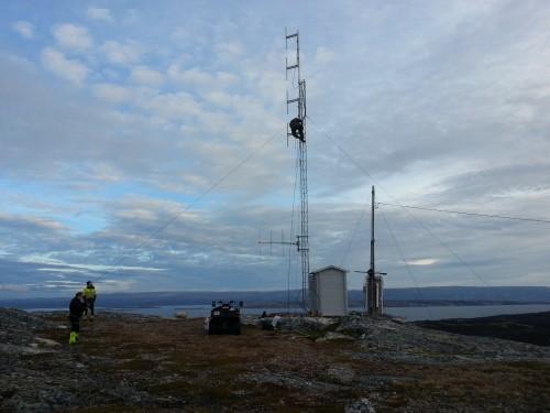 !Nye antenner på Sandviktoppen i Billefjord