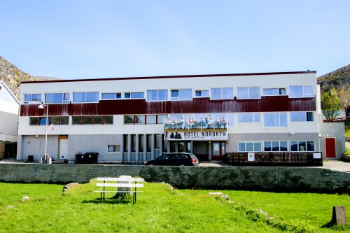 !Hotel Nordkyn, Kjøllefjord.