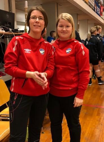 !Trenerne Hege-Beate Tauselv og Hege Sandberg.