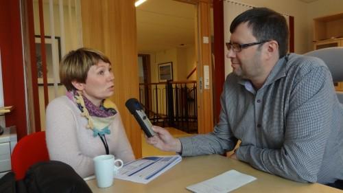 !kontorsjef Repvåg Kraftlag Eli Nilsen blir intervjuet av kringkastningssjæf Raymond Elde, 2013.