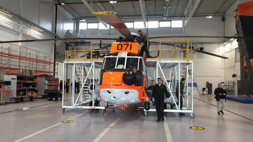 !Her er helikopter kommet tilbake til basen etter oppdraget i Honningsvåg under ATV-ulykken.