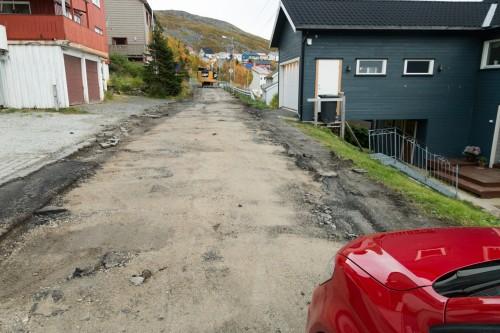 !Øvergata, Honninngsvåg