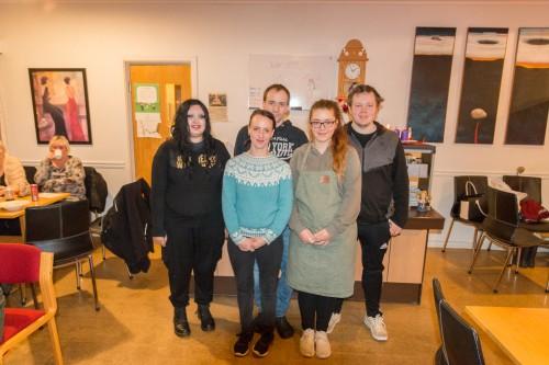 !Noen av de frivillige (fv)Jullia Winther, Veronica Nilsen, Stig Magne Nilsen, Ina Rene Arnonsen og Simon Johansen.