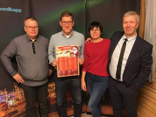 !Gjengen som fikk inn 11 000 kroner i løpet av en radiosending. Fra venstre: Helge Thomassen, Kjell Andreassen, Lill Tove Andreassen og Odd Johnsen.