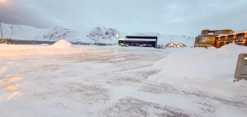 !Parkeringsplass, Nordkappregionen havn, Fiskeriveien, Honningsvåg.
