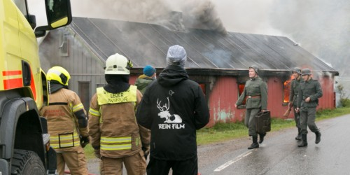 !Brann, en del av innspillingen til «Mørketid».