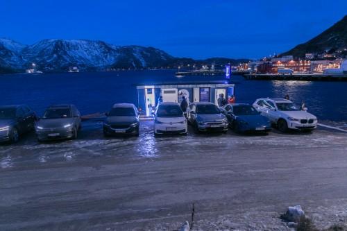 !Lynladeren i Honningsvåg og elbilene fra elbilforeningen